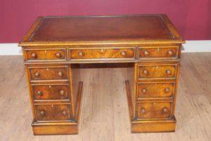 Античный Колено Отверстие George II Письменный стол Стол