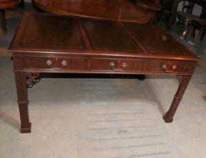 Викторианский Чиппендейл Готический стол Письменный стол Мебель из красного дерева