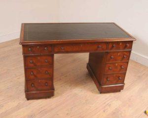 Красное дерево Викторианский Пьедестал Стол Колено Hole Столы Письменный стол