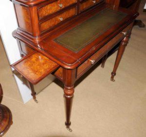 Французский Regency бюро De Dame Письменный стол Burr Walnut