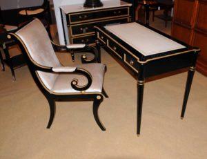 Regency черный лак Письменный стол Набор стульев