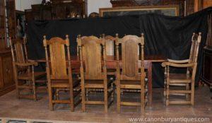 Эти стулья в стиле Мэри Тудор выглядят отлично за обеденным столом кухни