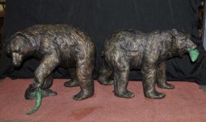 Пара французских бронзовых американских гризли-медведей Фонтаны Статуи Лосось