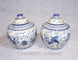 Пара Kangxi Ceramic Lided Urns Вазы Горшки Китайский синий и белый фарфор