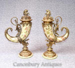 一对法国瓷器聚宝盆花瓶瓮镀金的号角