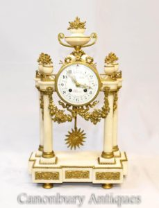 Французская империя Мраморные мантийные часы Ормолу Светильники Классические